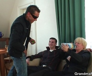 Molten grandma bitchy in a 3 way to take tons of cock in..