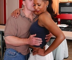 Big-titted old black stunner glimpses - part 2462