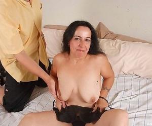 Huge tits mature has orgasm - part 2491
