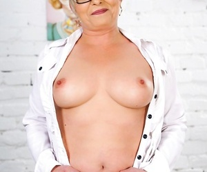 Nasty granny jessye has determined to cheat on her spouse..