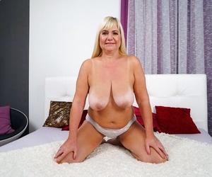 Granny pams big tits - part 360