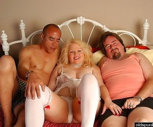 Blond mom double dicked - part 2477