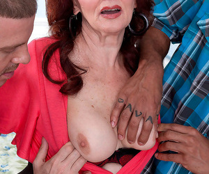 Three way lovemaking for the 70th granny - part 1371