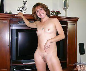 Mature amateur modeling naked - true amateur models - part..