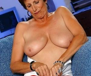 Grandma sally showing her full mature boobs - part 4441