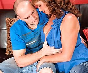 Molten Sheri Fox gets porked by her lover while her..