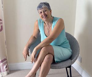 White granny Savana flashes no thong upskirts before..