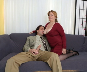 Aged Plumper Penny Sue gets a facial cumshot after hiking..