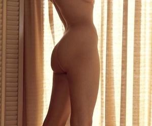American playmate Linda Gamble displaying off her..