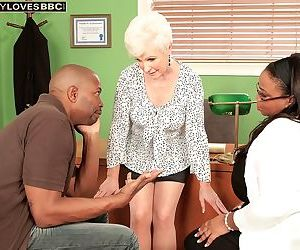 Mature hook-up therapist cant fight back having hook-up..