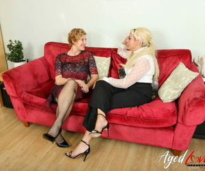 Messy mature Molly and blonde Mummy Kelly Cummins share a..
