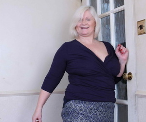Big breasted british mature woman toying with herself -..