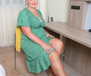 Chubby granny in nylons Rebecca Jane Smyth toying her..
