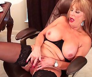 Slutty blonde Rae Hart mature prefers posing and playing with her sissy vid