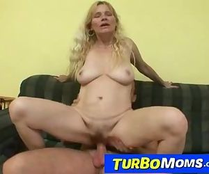 Czech amateur cougar Darina big naturals and bushy cunt sex