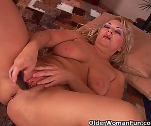 Busty Grandma Is Toying Her Fuckable Pussy