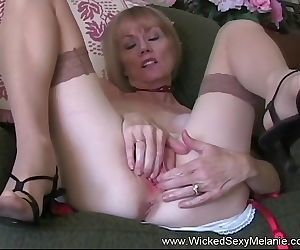 Free Premium Video Cum Drinking Super Amateur GILF