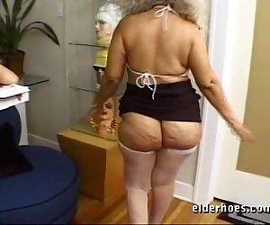 Mature MILF Granny in kinky hardcore sex action - 56 sec