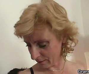 He gets lucky with old woman - 6 min