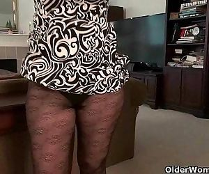 Mature milfs need orgasmic pleasureHD