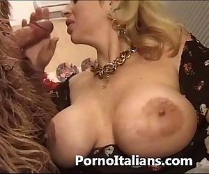 italian porn comic - porno comico italiano matura scopa gorilla - 8 min