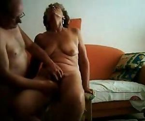 Old slut having great orgasm. Real amateur - 3 min