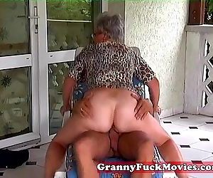 Outdoor fucking grandma - 5 min