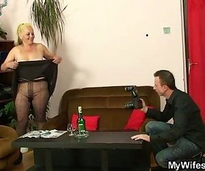 Mature babe caught by her in-law - 6 min