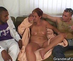 Lonely granny gets pounded by two dudes - 6 min