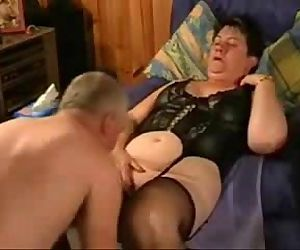 Must see this pervert old slut. Amateur older - 2 min