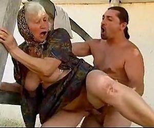 granny sex - 35 sec
