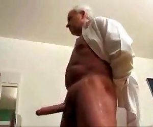 Granny n grandpa fun - 32 sec