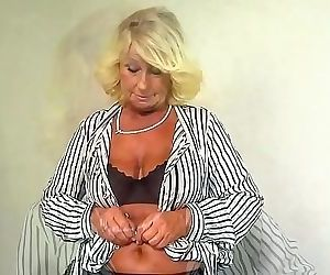 Horny Blonde Granny Loves Hard Cock in Her Pussy 9 min