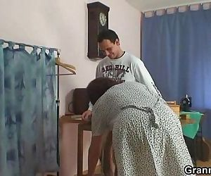 A customer bangs old sewing - 6 min