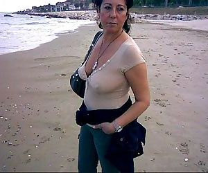 busty mature slideshow - 3 min