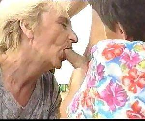 2 Grannies - 6 min