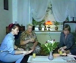 Hardcore groupsex with grannies - 6 min HD