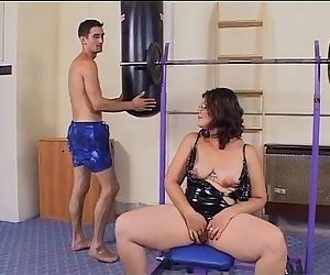 Mature slut wants a cock to ride in the gym!