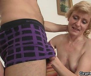 Fresh cock for hot mature woman - 6 min