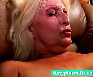 Hot grandmother cumming - 5 min