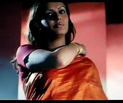 Super Molten Bosom Exposure B Grade Actress Amrita Dhanoa indian - 24 sec