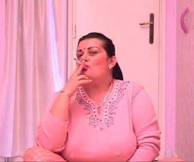 Mature Cunt Smoking Cigs - 5 min