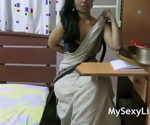 HORNY LILY INDIAN Stunner ROLE PLAY 9 min