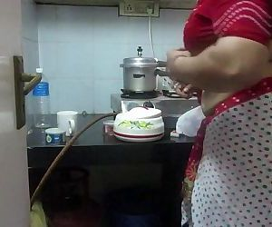 ▶ Leena Bhabhi Hot Belly button Housewife 1 - 21 sec