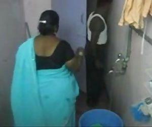 1.Aunty Bathtub hidden webcam 1 బొండాం ఆంటీ స�నానం - 6 min
