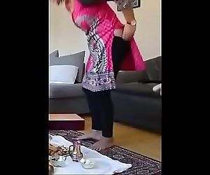 neighbour wonderful aunty pany getting down from butt 43 sec