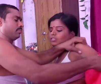 Molten desi shortfilm 117 - Auntys knockers squeezed, kissed & pressed in bra