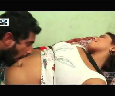 Desi shortfilm 8 - Saniya Raos belly button licked, boobs & cleavage sucked hard
