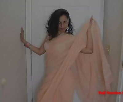 Indian Sumptuous Aunty Dance And Railing Huge Dick Ten min 1080p