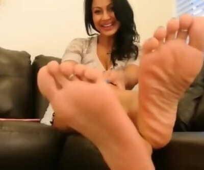 Jasmine POV Feet Joi